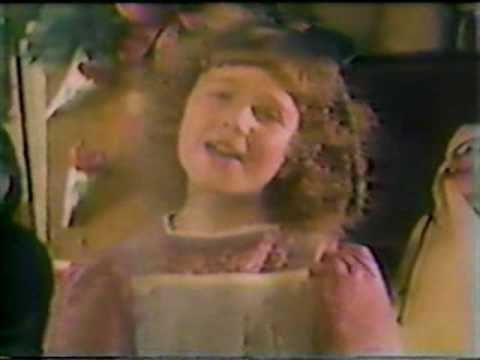 AILEEN QUINN ANNIE SINGING LET THERE BE PEACE ON EARTH 1982