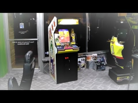 Atari's Legendary DIG DUG 1982 Arcade Game Cabinet - Beautiful Original Condition!