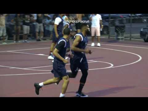 Trailer: Jahvon Quinerly Turns Up Carver Park!! Roundball Classic