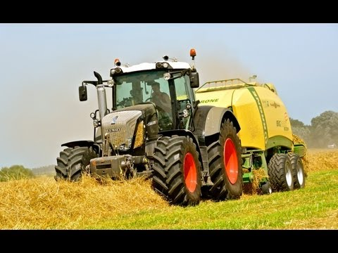 Fendt 826 Black Beauty and Krone Big Pack 1290XC - Hay Baling and Stacking