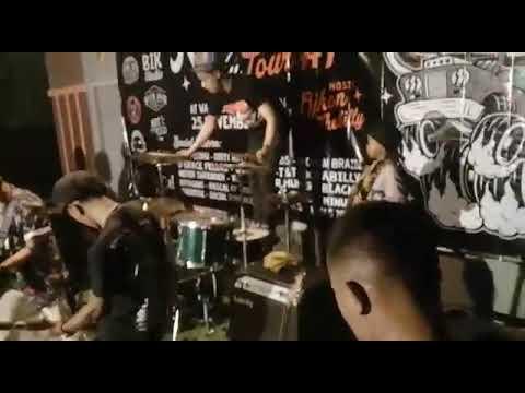 DPOX live Kita Bukan Amerika @ wapress Pekalongan Rockalibi Nu Tour #1