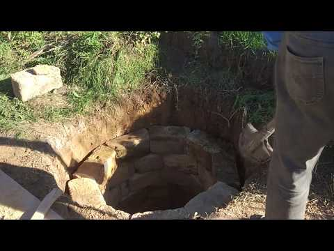 Колодец своими руками без колец и без бетона