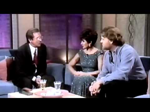 Shirley Bassey and Bryn Terfel - Interview with Des O Connor / World In Union (1999 Live)