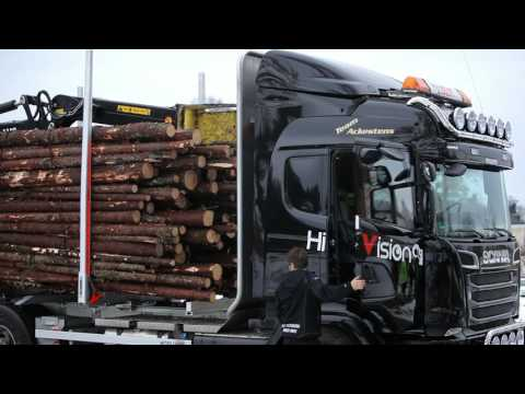 Hiab's first LOGLIFT forestry crane equipped with HiVision delivered to customer