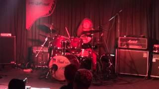 熊本のぺいあのPLUSでのファンキー末吉ひとりドラムの演奏 X.Y.Z.→A 「S...