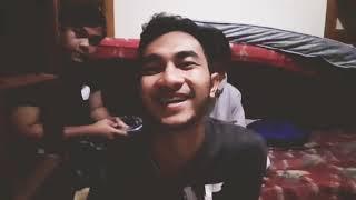 Vlog #13, Bangun subuh² - PRANK bpk Asrama - kamar kosong || ulang tahun bapak asrama!!