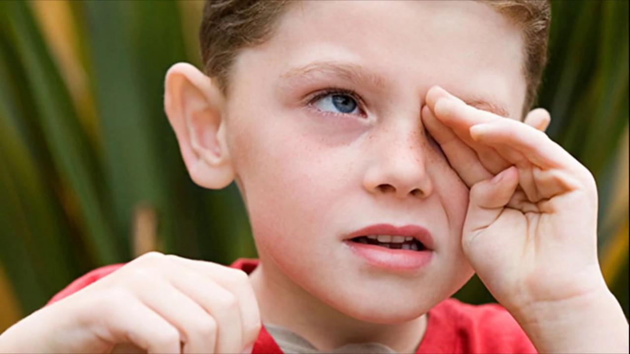 Мальчик глотает сперму видео