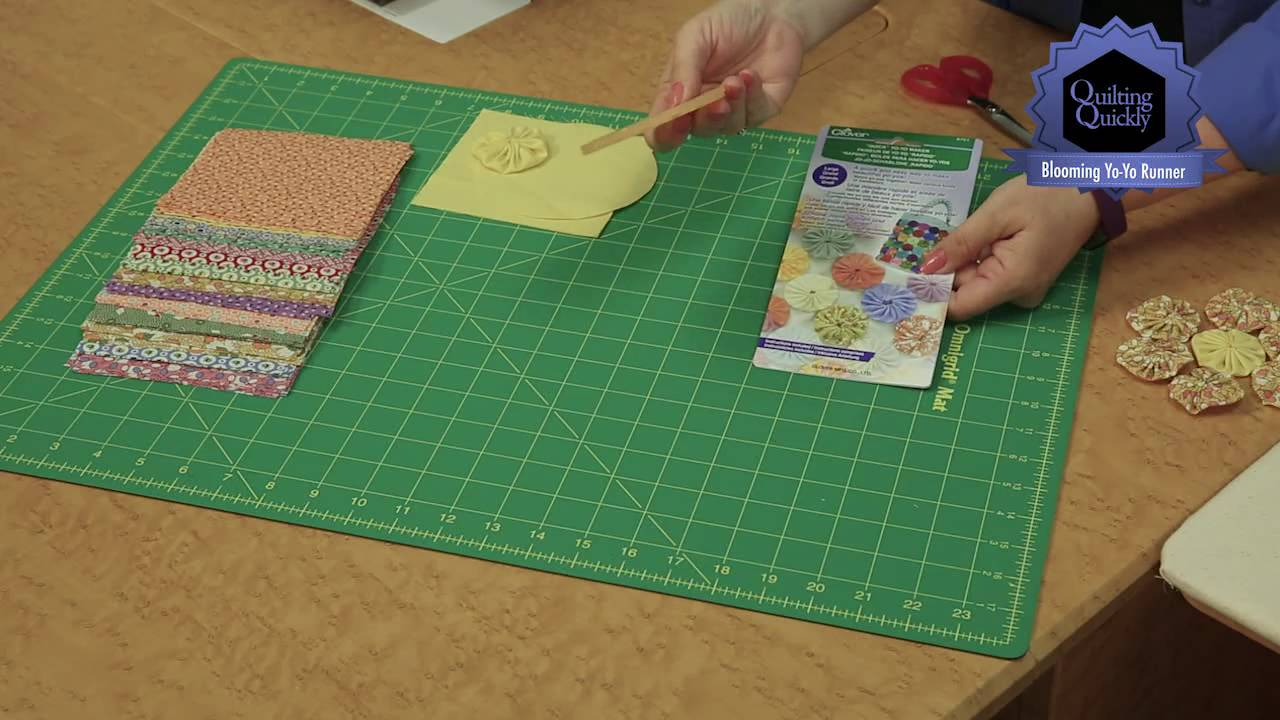 Quilting Quickly Blooming Yo Yo Runner Table Runner Quilt Pattern