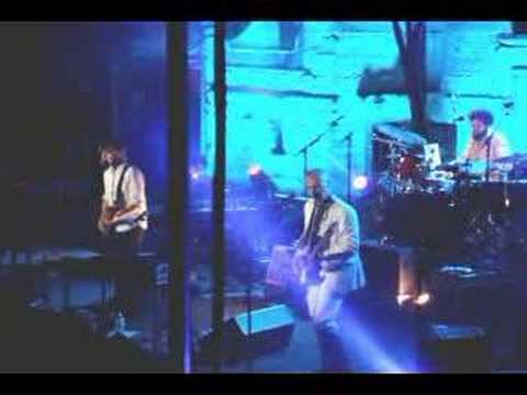 """Crowded House """"Nails in My Feet"""" live 8-29-07"""