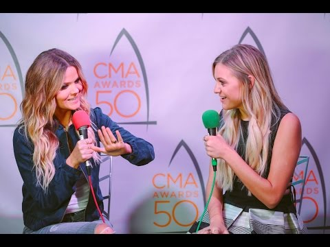 Amy Talks with Kelsea Ballerini at the 50th CMA Awards
