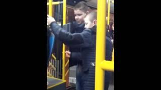 Ludaci u autobusu