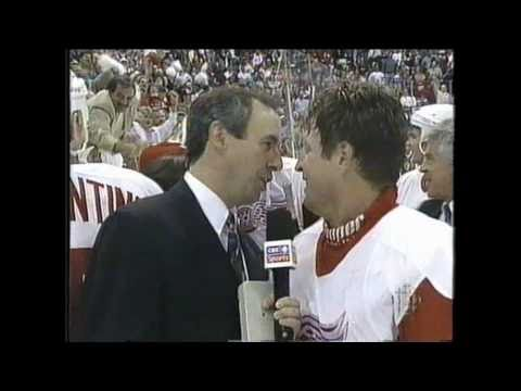 Stu Grimson pranking Mike Vernon - Octopi Hockeytown