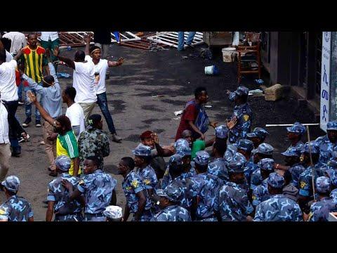 إثيوبيا: جرحى في انفجار قنبلة استهدفت تجمعا لرئيس الوزراء آبيي أحمد في أديس أبابا  - نشر قبل 3 ساعة