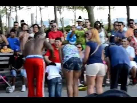 Видео: Уличные танцоры Нью-Йорка