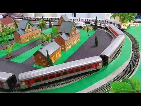 Model Train set at Churchgate (CCG/C) Mumbai Metro Railway Station | Indian Railways