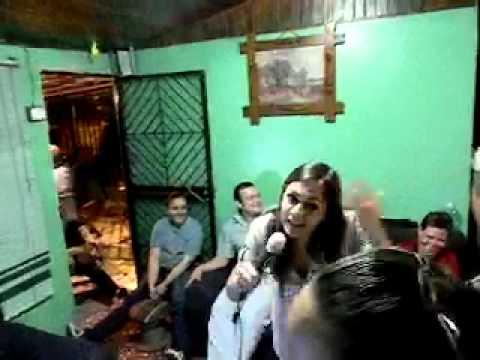 dinkyperrutia cantante karaoke