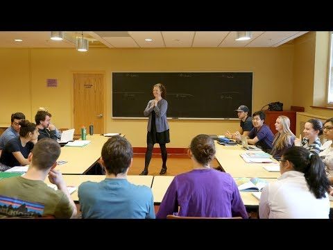 Holy Cross First-Year Program Montserrat Offers Dynamic Introduction to College Life