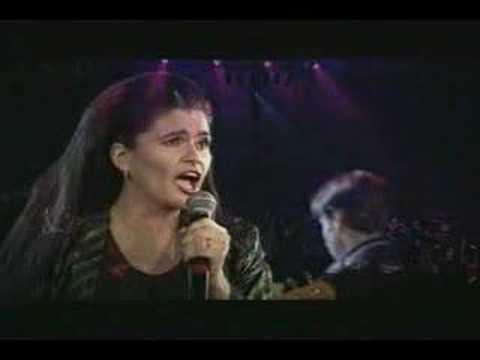 Iris & Felicia Filip - Baby (Live at Iris Athenaeum 2000)