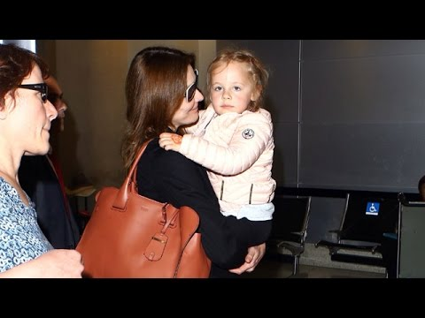 Carla Bruni Doesn't Know Why Daughter Giulia Sarkozy Likes The Paparazzi!