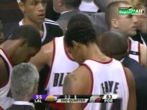 Rudy cae al suelo. Lakers - Blazers Season 2008-2009