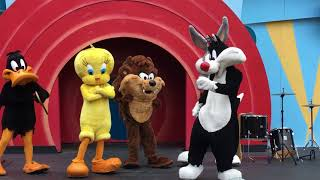 We Got the Beat LOONEY TUNES at Six Flags America 2018