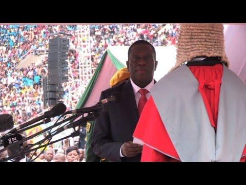 Mnangagwa sworn in as Zimbabwe's new president (4)