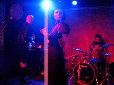 Mona Mur / En Esch - The Man On The Satellite (live In Club Control Bucharest)