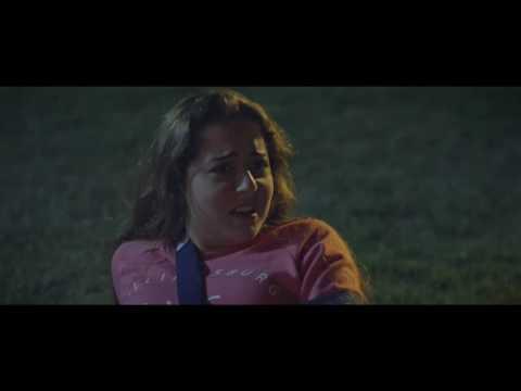 هانى يحاول الاعتداء على سارة، ولكن نور تنقذها فى اخر لحظة فى ابو البنات