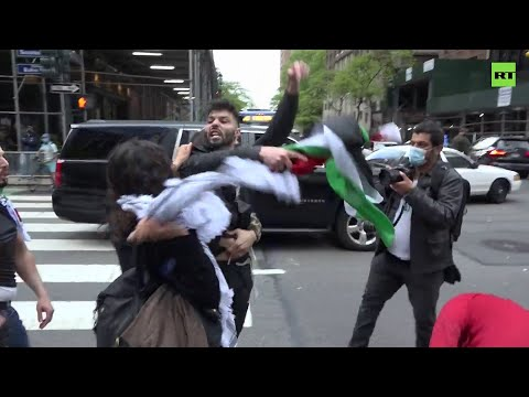 Scuffles at pro-Palestinian and pro-Israeli demonstrations in New York City