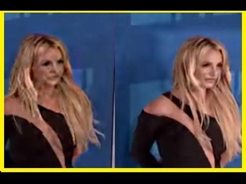 BRITNEY SHAPESHIFTING AT THE VMAS