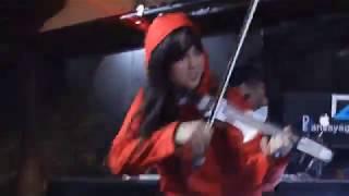 כרמית הכנרית   מופע בריקודים   Carmit The Violinist   Violin Live On DJ  Bella CIAO