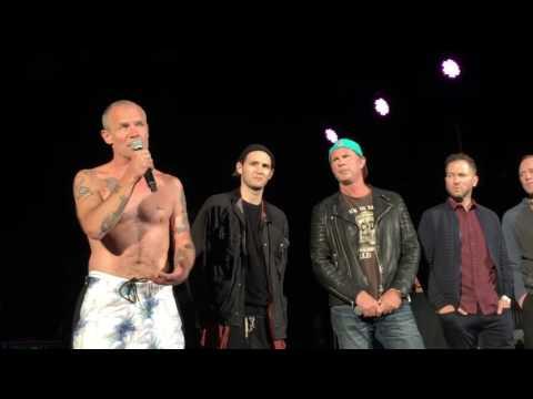 El cantante de los Red Hot Chili Peppers fue hospitalizado