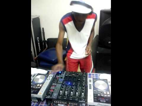 DJ Banze........Day b4 Polokwane tour. warm up session