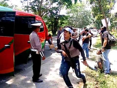 Video penangkapan Bandar Narkoba di Batubara(2)