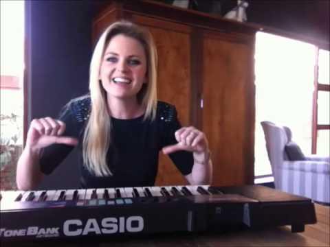 Leah Probeer Klavier Speel
