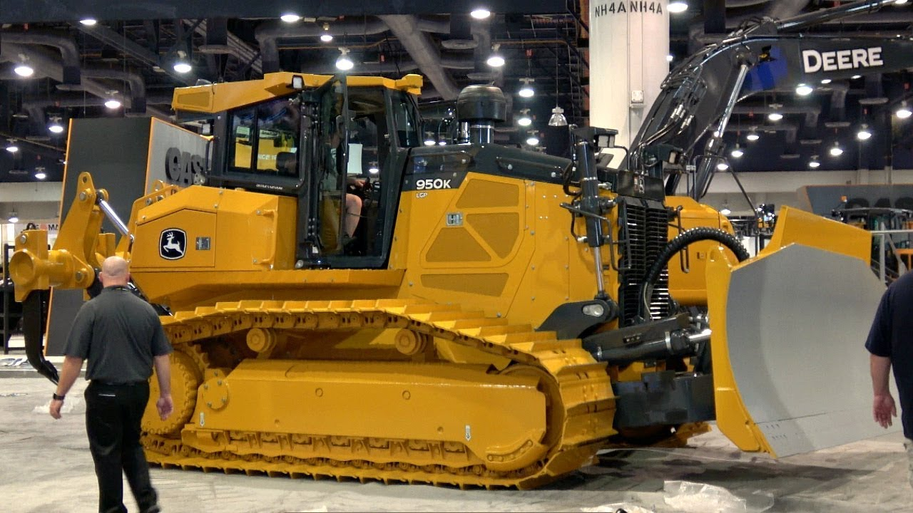 Big John Deere Dozers Moving After Conexpo 2017 Youtube