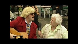 Raab in Gefahr im Heino-Cafe - TV total classic