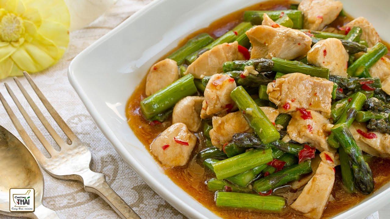 Como hacer Salteado de esprragos con pollo Kai Pad Noh