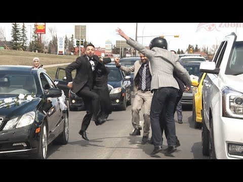 Arab Dabke Dance In City Traffic درس دبكة لبنانية على الدقتين