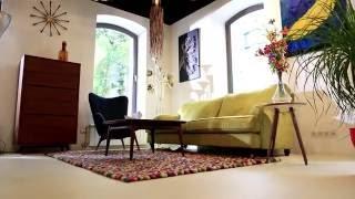 Диван Howard в шоу-руме дизайнерской мебели, света и декора Cosmorelax на Менделеевской