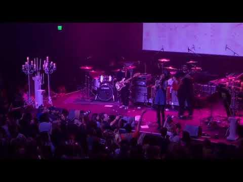 "Willow Smith ""Female Energy"" Live"