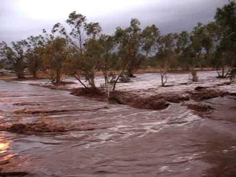 Alice Springs Todd River flow