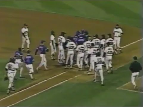 CUBS & GIANTS skirmish at 1989 play-offs in San Francisco