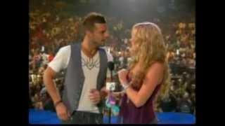 Shakira checks out Ricky Martin at MTV Video Music Awards 2005