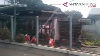 ANTARANEWS - Suasana Pasca Kebakaran Stasiun Klender
