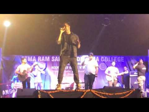 Hardy sandhu in ARSD college Horn Blow 2017