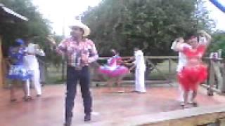 joropiando con Gustavo Batista, escuela de joropo Venezuela en alpargatas