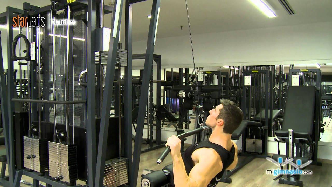 Polea al pecho con agarre ancho ejercicios de pecho for Gimnasio 9 y 57