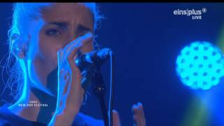 Repeat youtube video London Grammar - Nightcall live at Baden Baden