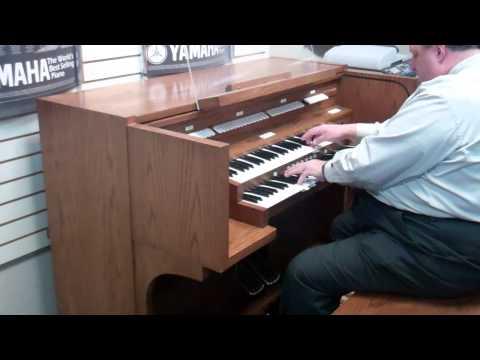 Allen Full Pedal Church Organ